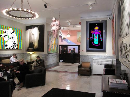 Robby-Froggy-Art-Hotel-Lobby